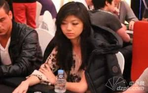 2013APPT首尔站:德州扑克美女Xuan Liu比赛视频