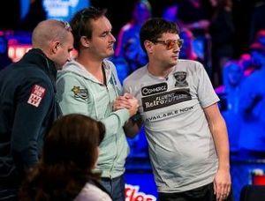 2013WSOP主赛事最终桌02:看高手们如何控制底池