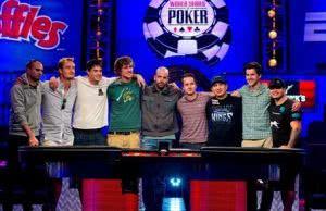 2013WSOP主赛事最终桌09:KK碰上AA,第六名产生