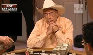 【辣眼视频・中字】老道Doyle和一滴水老板打出最大底池 一桌Cash看得人眼花缭乱