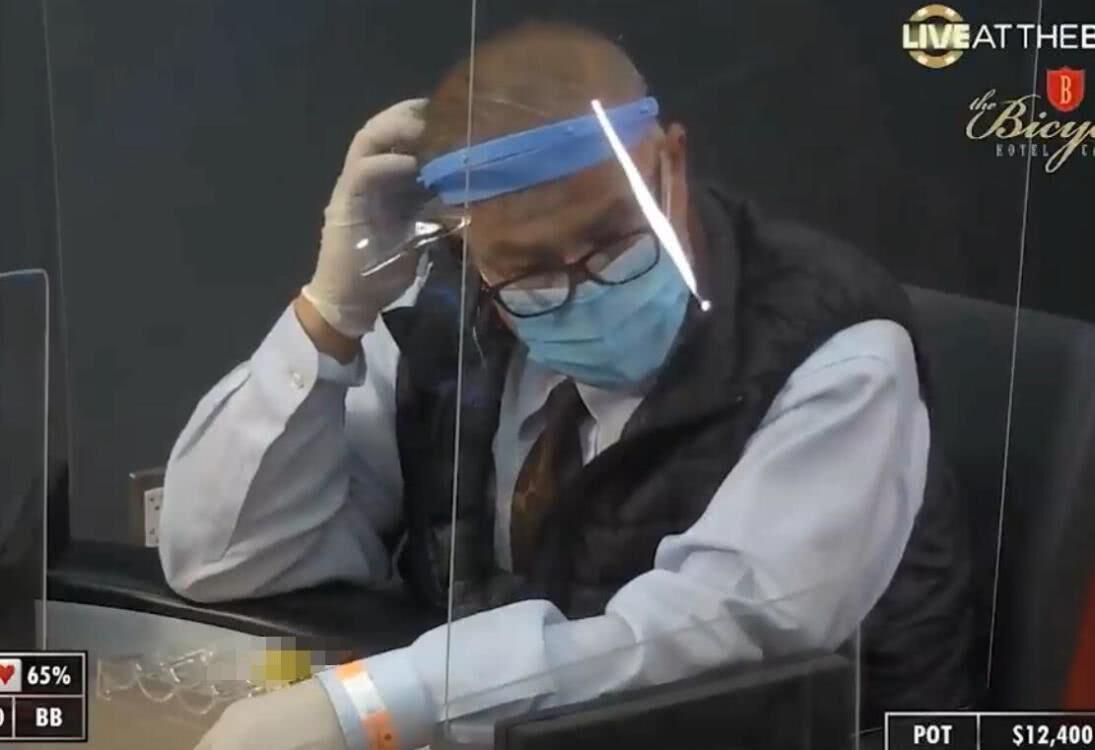 【辣眼视频・中字】隔着面罩都感觉到了Abe大伯的不服气
