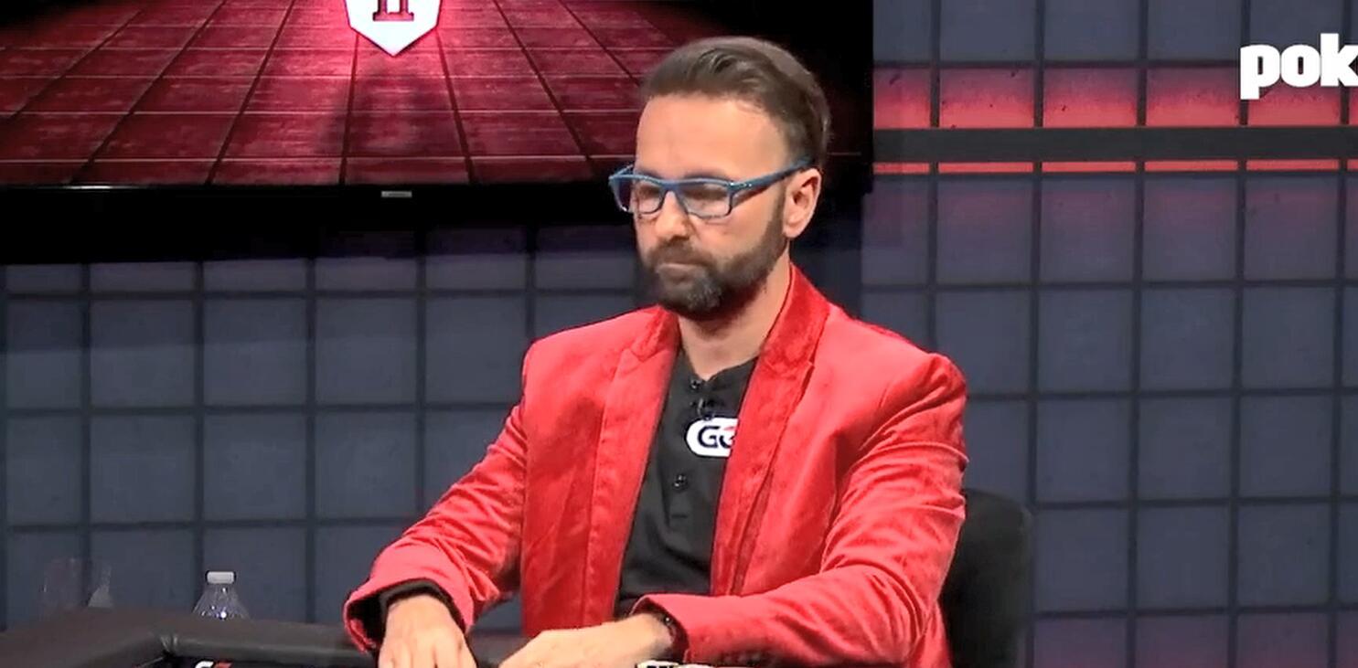 【辣眼视频】丹牛再现读牌神技,读Hellmuth的牌简直太准了,看得人极度舒适