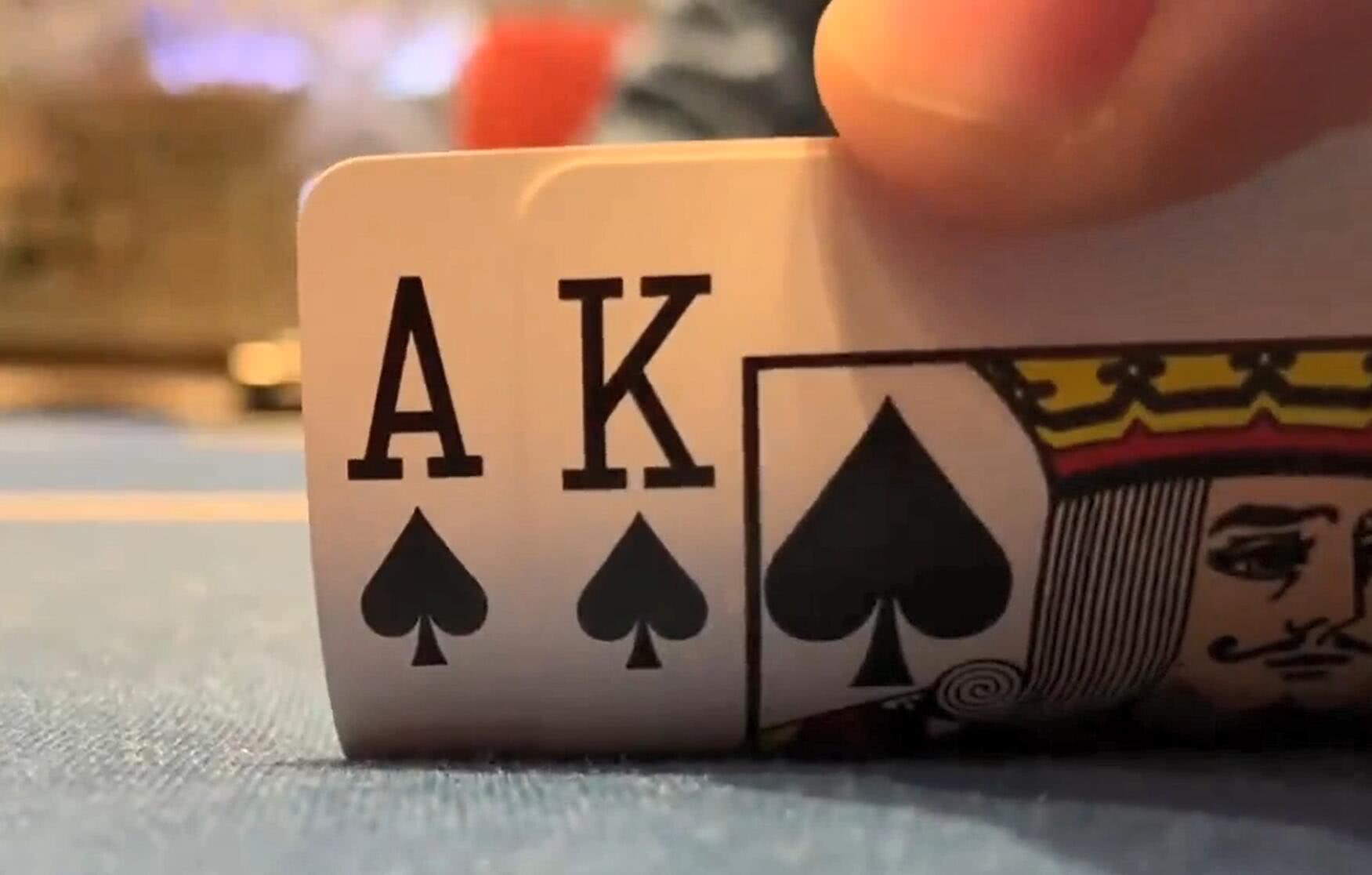 【辣眼视频】AQ嗨牌神读牌抓诈唬?AK中葫芦却说没毛用?99高对却不敢玩?